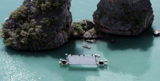 floating_movie_theater_m2gnp