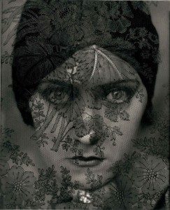 Gloria Swanson 1924 C Edward Steichen Courtesy Conde Nast Publications-Archive
