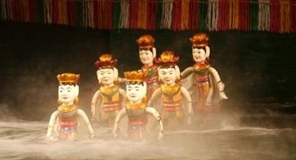 Wodny teatr lalek w Hanoi