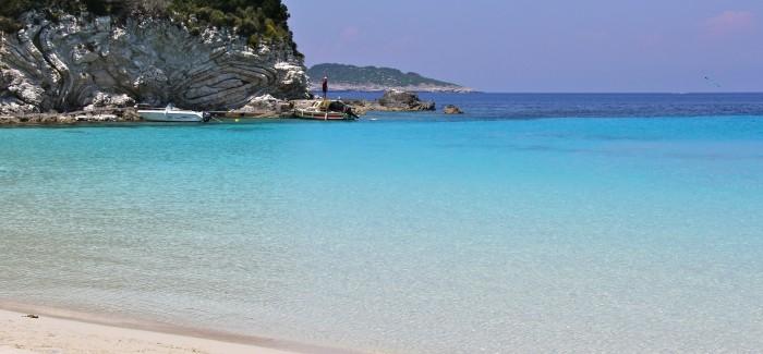 PHOTO STORY: Antipaxos – zabłąkana karaibska wysepka na Morzu Jońskim