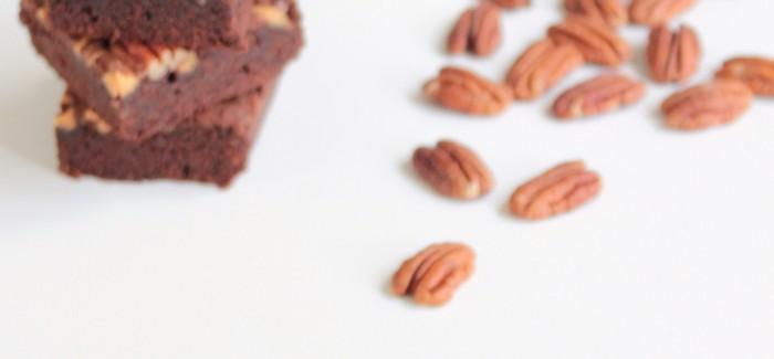INTOtaste: USA: brownie z masłem orzechowym i orzechami pekan