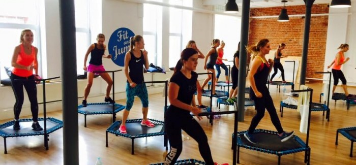 Przyjemność ze skakania – nowa innowacyjna forma fitnessu zadomawia się w Polsce