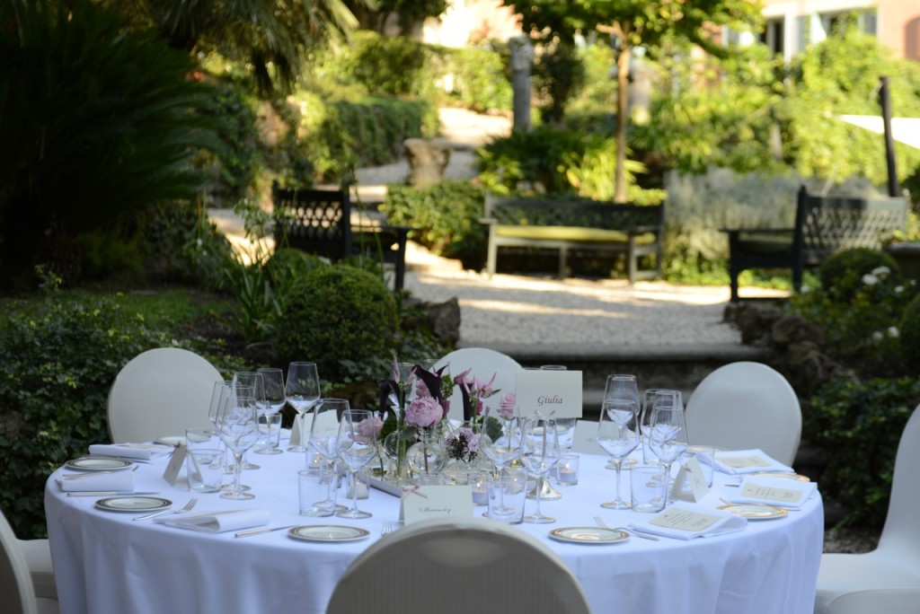 RFH Hotel de Russie - MEETING & EVENTS Garden Pergolato wedding table