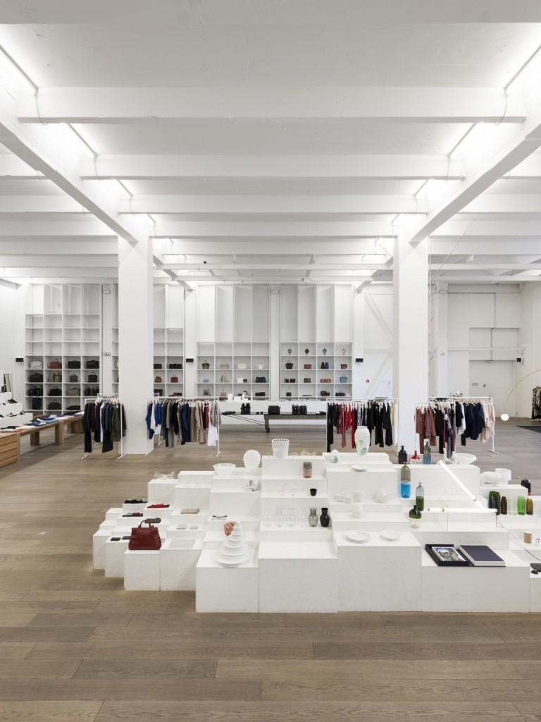 Andreas-Murkudis-Potsdamer-Straße-81-interior-fashion-luxury-concept-store-berlin-2-960x1280