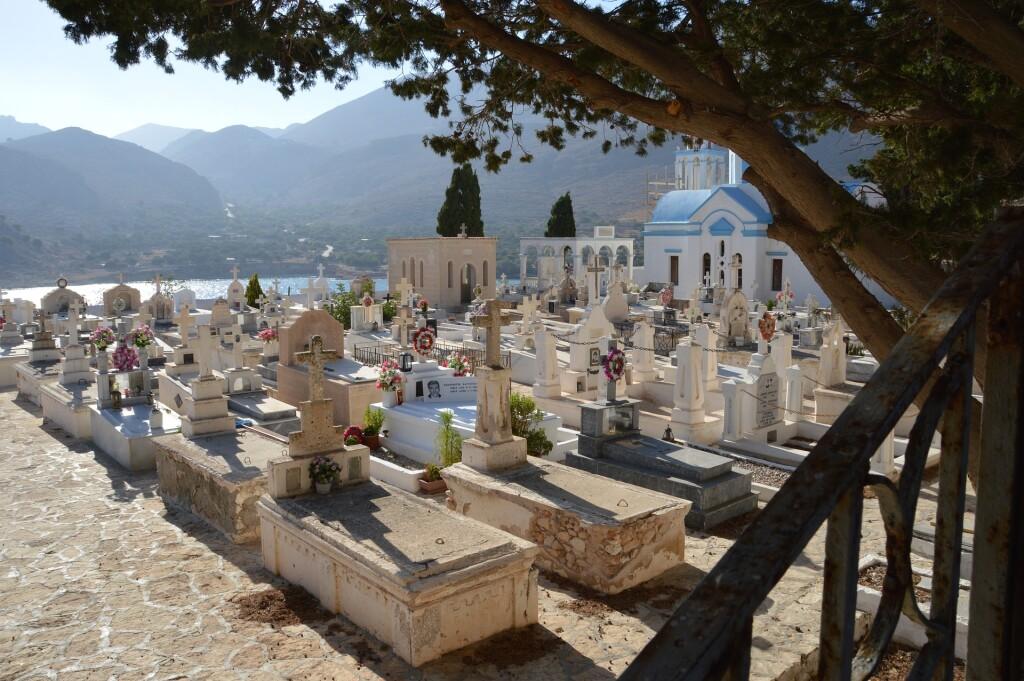 cemetery-650389_1920